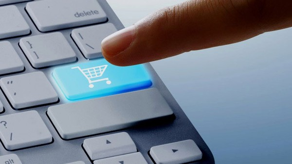 Distracted Brits Enticed by E-commerce