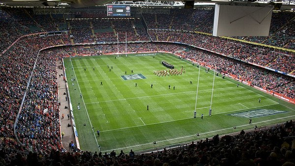 Tech-Savvy Rugby Fans Pose Opportunities for Online Brands