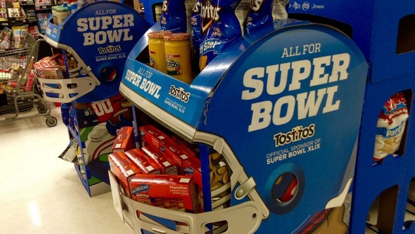 Super Bowl Advertisers Fumble Big Chance for Online Promotion