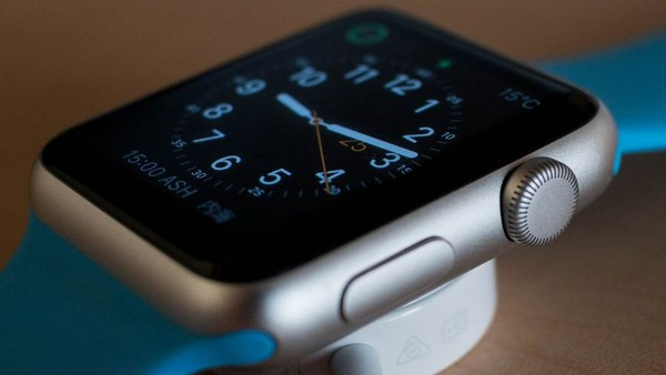 UK Marketers Refuse to Believe the Wearable Hype