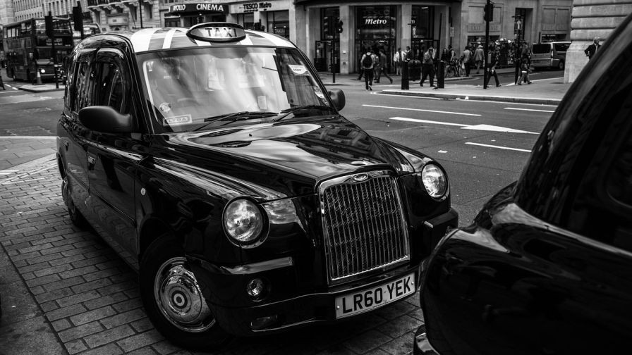 4,000 Black Cabs to be Fitted with iBeacons in UK Cities