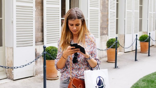 Retailers Must Adapt to Rapid M-Commerce Growth