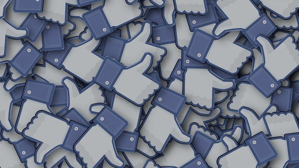 Facebook Takes Swipe at Google with Trial of Header Bidding