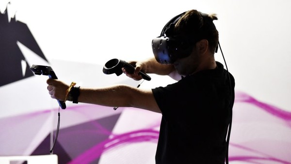 Daydream, Oculus, Vive or PS VR: The 'Headset Wars' Will Make Their Impact on Advertising