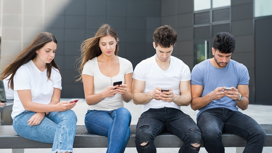 Mobile Disrupts Media Habits as Global Consumption on Phones Set to Rise to 26%